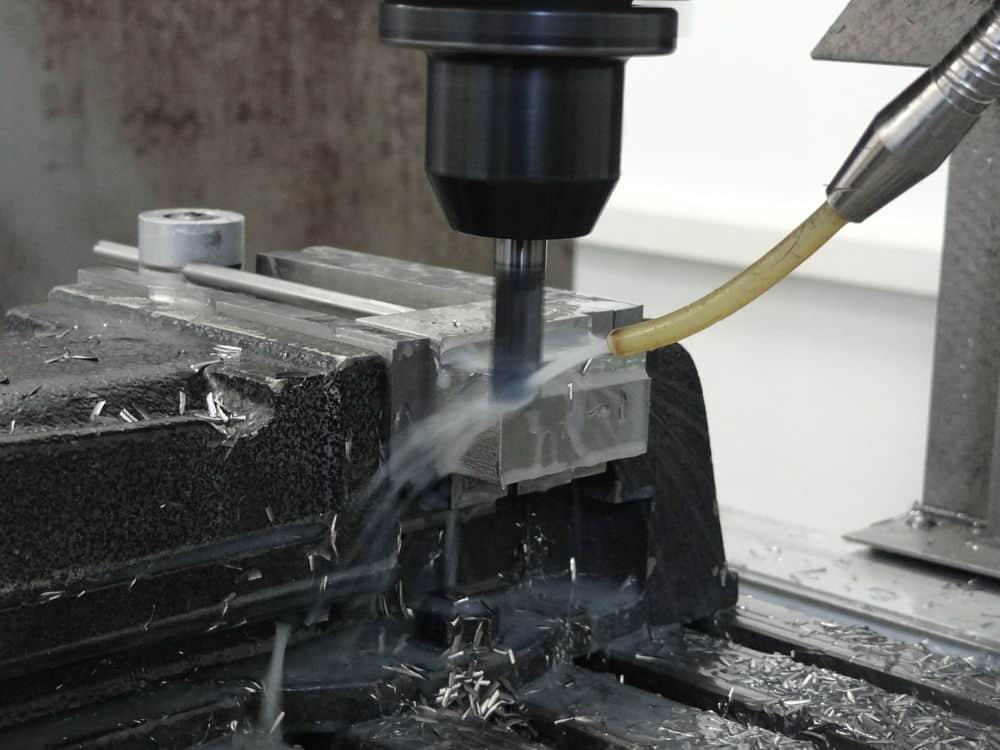Fräsmaschine bei der Arbeit