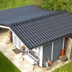 Gartenhaus mit Blechdach ist fertig