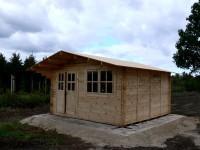 Gartenhaus Rohbau fertig aufgebaut