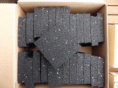 Holzsteg Unterlagen aus Gummigranulat