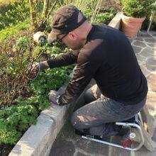 Kneester im Einsatz im Garten