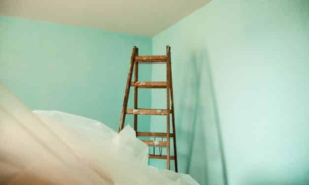 Wandfarbe mit Farbsprühsystem auftragen