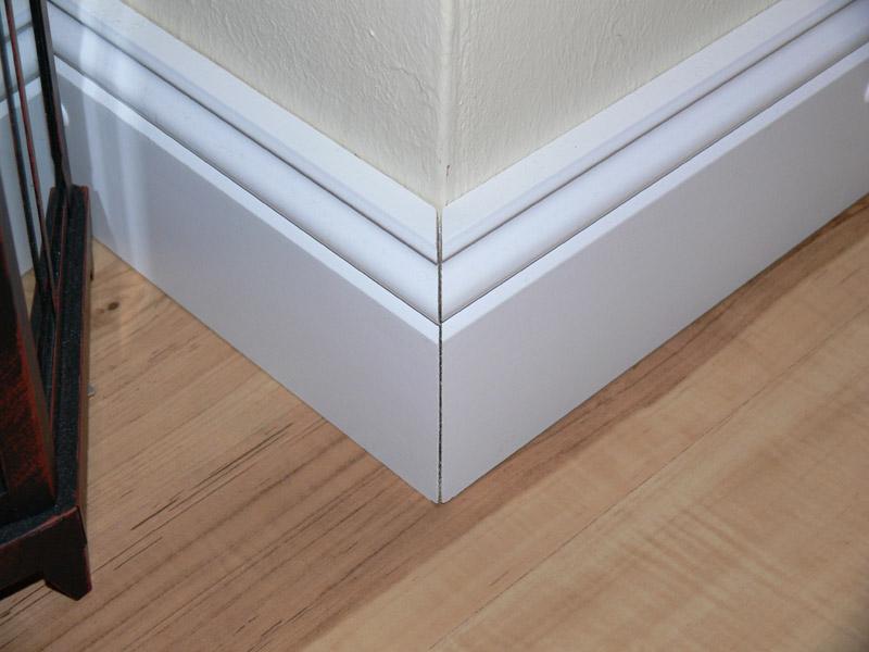 sockelleisten auf gehrung schneiden heimwerker. Black Bedroom Furniture Sets. Home Design Ideas