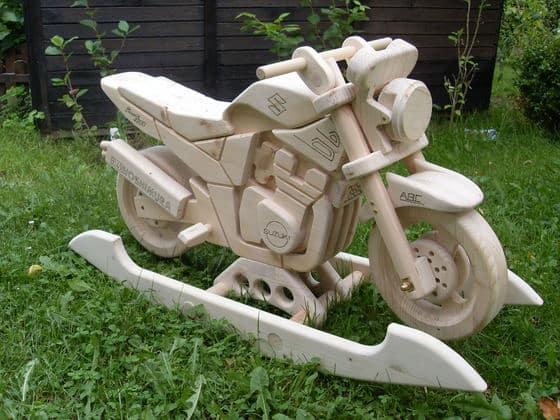 Kinder-Motorrad aus Holz